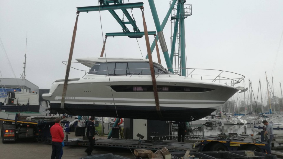 Transport of Motor Yachts